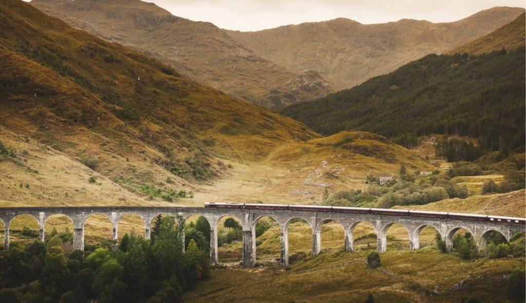 8 passeios imperdíveis de trem no Reino Unido